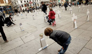 One Hundred Crosses to Remember Animal Victims