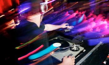 """DJ Luminous and Her """"Vegan Artists"""" Mix"""