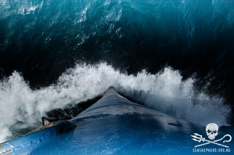 131221-EM-Steve-Irwin-Crashing-Through-Electric-Blue-Southern-Ocean-0020020011481