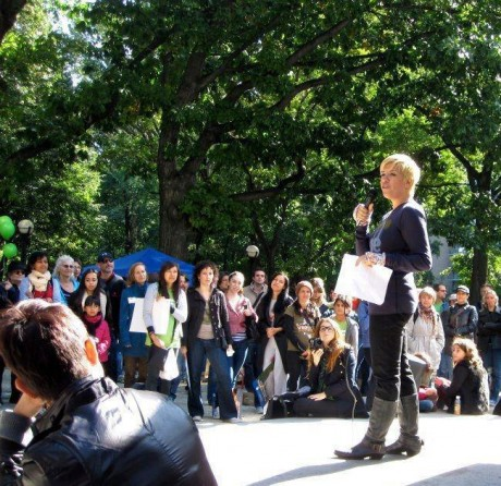 I know I know! I have blonde hair here! Crazy, right?! This is from the last time I spoke at the NYC Walk, three years ago I think...